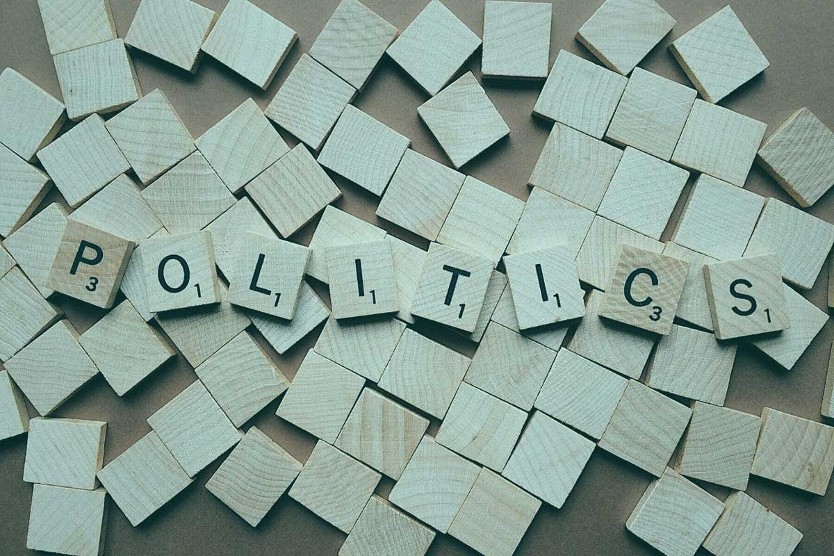 Koronaa vai politiikkaa