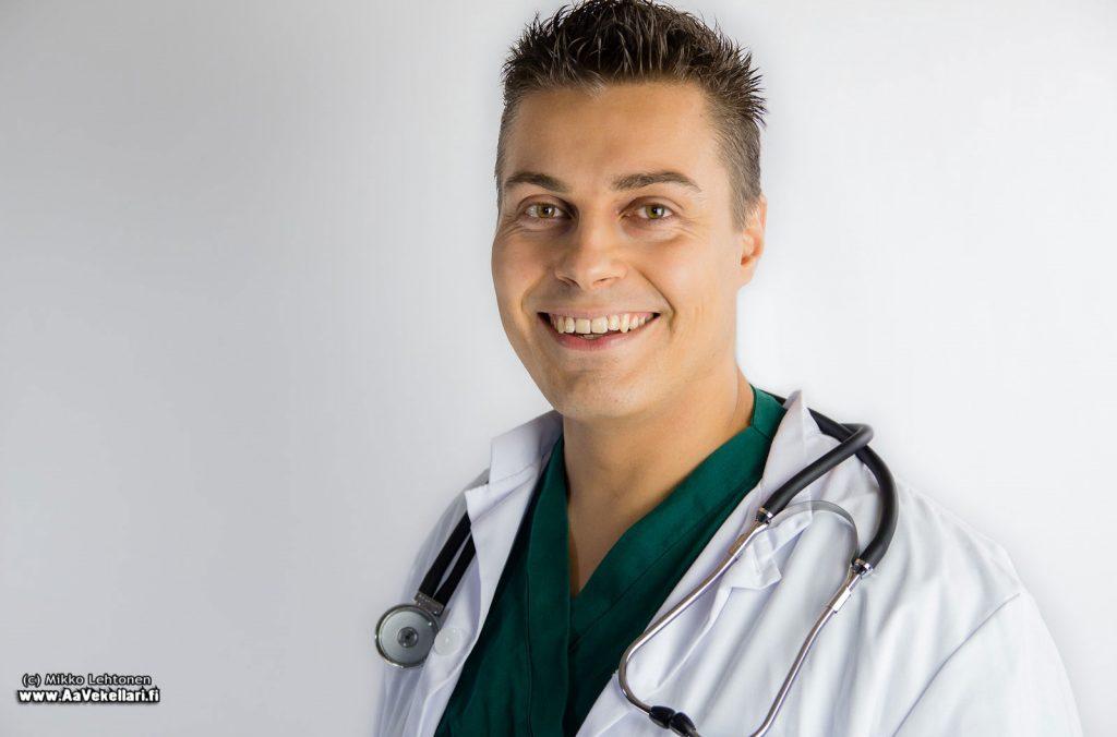 Lääkäri Mikael Kivivuori.