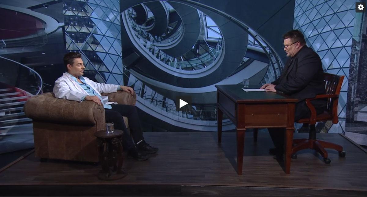 Lääkäri Mikael Kivivuori Alfa TV:n Dosentti -ohjelmassa.